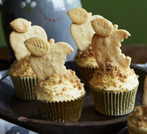 Apple Crumble & Custard Cupcakes