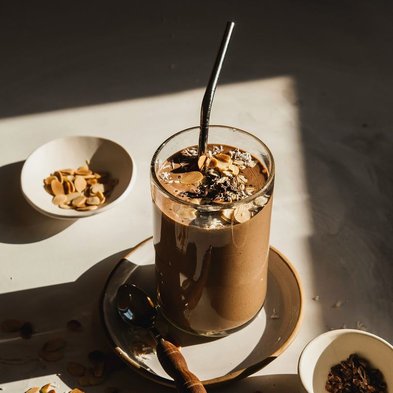 Hearty Chocolate Oat Smoothie
